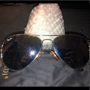 Ray-Ban Aviator Tinted Sunglasses